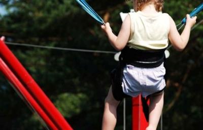 Dětský bungee jumping