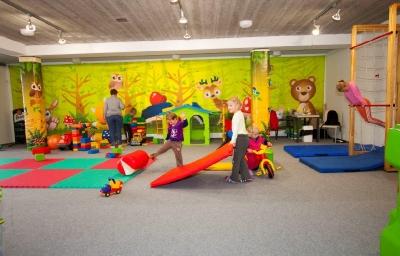 Dětská herna a dětské hřiště